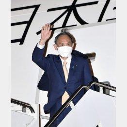 アンドルーズ空軍基地に到着した菅首相(C)共同通信社