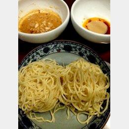 麺を湯がいたら自分好みの味で(C)日刊ゲンダイ