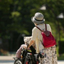 高齢者との会話で半生浮き彫り…家族と疎遠の老後の哀しさ
