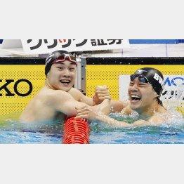 4月の日本選手権200メートル平泳ぎで優勝した佐藤翔馬(右は2位の武良)/(C)共同通信社