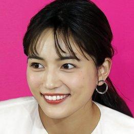 """川口春奈「着飾る恋」8年前の""""汚名返上""""に関係者ヒヤヒヤ"""