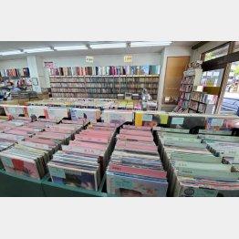 レコード社本店の店内(東京・神保町)/(C)日刊ゲンダイ