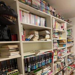 妻からの厳命でたった一晩で何千冊もの本を処分することに