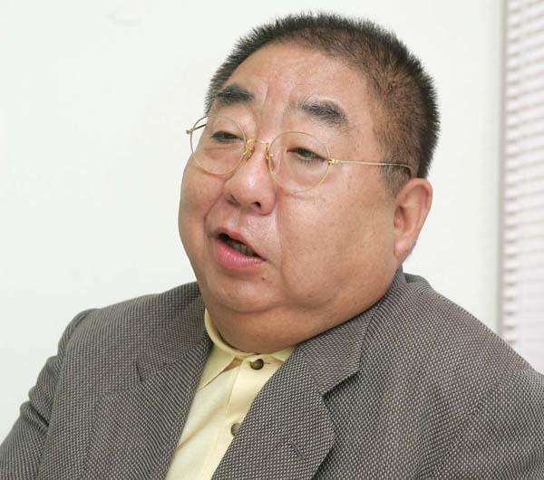 小林亜星さん(2004年9月撮影)/(C)日刊ゲンダイ