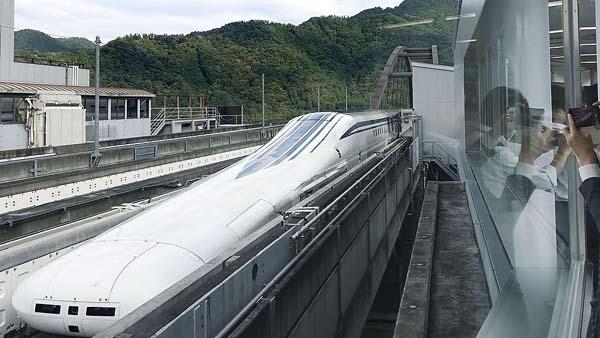 最大の焦点は「リニア新幹線のトンネル工事の着工」問題(C)共同通信社