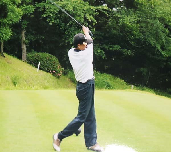 ゴルフはシングルの腕前(提供写真)