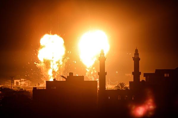 停戦合意のはずが、イスラエル軍が再びガザ空爆(C)ゲッティ=共同