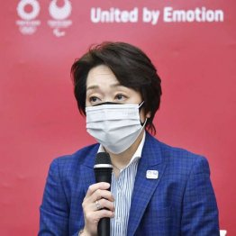会見する橋本聖子組織委会長(代表撮影)