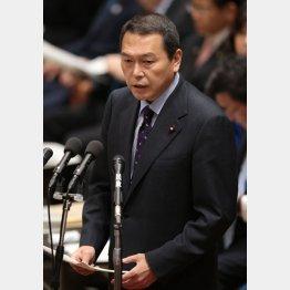 総裁選では菅首相の選対本部長を務めた小此木八郎国家公安委員長(C)日刊ゲンダイ