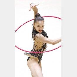 新体操個人五輪代表選考会での喜田純鈴のフープ(C)共同通信社