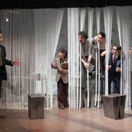 劇団俳優座「インク」 大衆の欲望と新聞の倫理の相克を鮮烈に活写