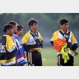1996年アトランタ五輪代表の西野監督(中)と山本コーチ(右)/(C)Norio ROKUKAWA/office La Strada
