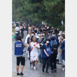 7日は埼玉県草加市で、東京五輪の聖火リレーが…/(C)日刊ゲンダイ