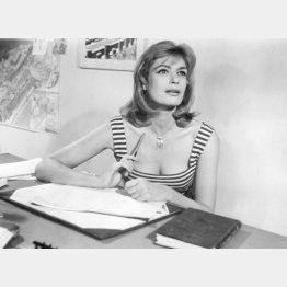写真⑤ 映画「日曜はダメよ」(C)MELINAFILM/Ronald Grant Archive/Mary Evans/共同通信イメージズ