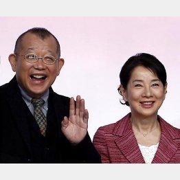76歳にして主演女優として現役の吉永小百合(右)と現役で活躍も今年70歳の笑福亭鶴瓶(C)日刊ゲンダイ