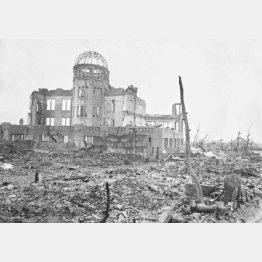 ソ連の外交官と自己紹介し、広島市の街へ入っていった…(C)ACME=共同