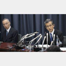矢野次官(右)と太田前次官(C)日刊ゲンダイ