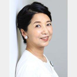 「60代のビキニ」戦線をけん引する宮崎美子(C)日刊ゲンダイ