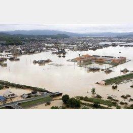 西日本豪雨では停電復旧に1週間かかった(C)共同通信社