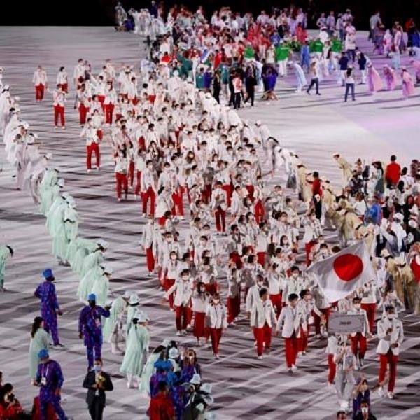 入場する日本選手団(C)ロイター