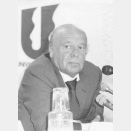1995年のユニバーシアード福岡大会について会見するネビオロ国際大学スポーツ連盟会長(C)共同通信社