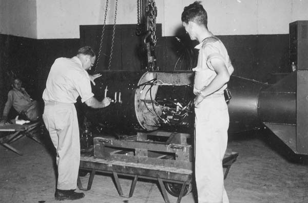 広島に投下された、コードネーム「リトルボーイ」の原子力爆弾(C)World History Archive/ニューズコム/共同通信イメージズ
