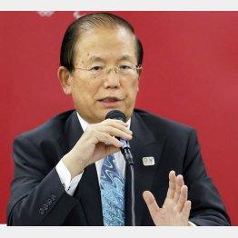 理由は「菅首相と小池都知事がおっしゃっているのだから」、と武藤敏郎組織委事務総長(C)共同通信社