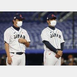 緊張感を漂わせる稲葉監督(右) (C)真野慎也/JMPA