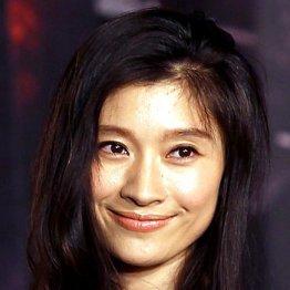 篠原涼子「離婚&韓流アイドルと不倫疑惑」の大きすぎる代償…狭まる役柄、CMはすべて見直し