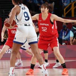 女子バスケ「銀」宮沢夕貴<2>NBAスター選手との記念撮影にテンションが高まった
