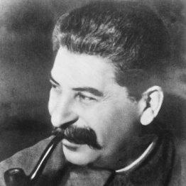 頭脳明晰なスターリンは新聞を隅々まで読み、記者の名を覚えた
