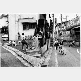 豪徳寺駅に行く途中(1989年撮影)/(提供写真)
