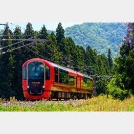 利用客が戻りつつあるリゾート列車「雪月花」/(提供写真)
