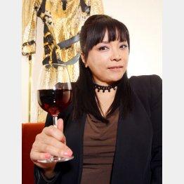 2015年本紙「今だから語れる涙と笑いの私の酒人生」に登場(C)日刊ゲンダイ