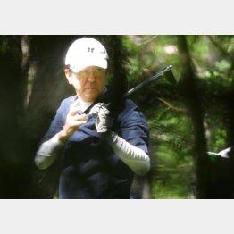 """藪本雅巳容疑者は、安倍元首相(写真)と何度もゴルフを共にした""""アベ友""""(C)日刊ゲンダイ"""