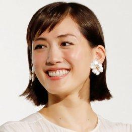 綾瀬はるかコロナ感染から再始動 キムタク主演映画が無事撮影スタート